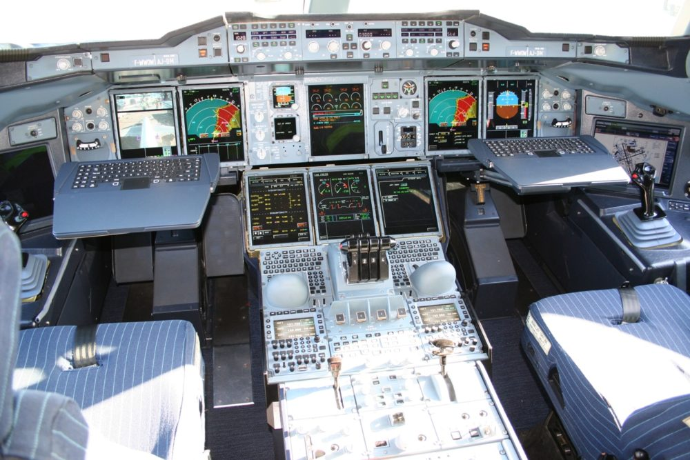 Кабина А380