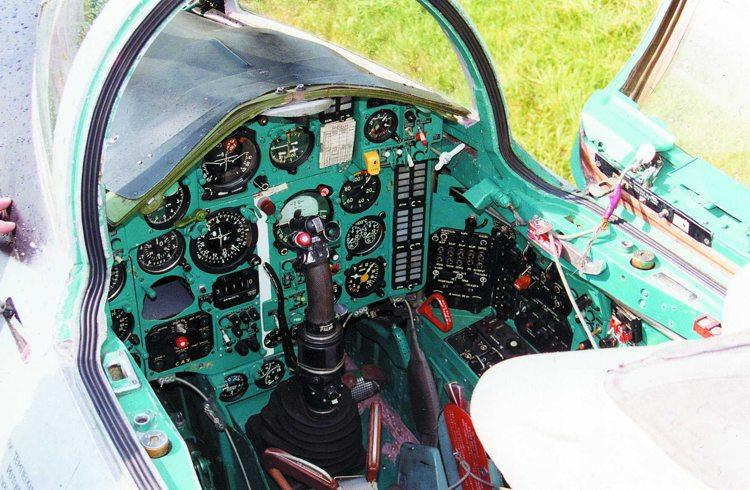 Кабина МиГ-17