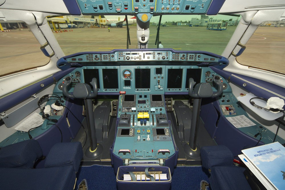 Кабина пилотов Ан-148