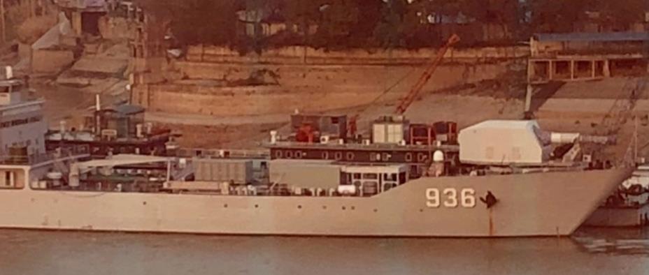 Китайский корабль с рельсотроном
