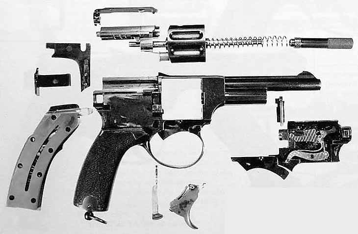 Разобранный револьвер Ландстада