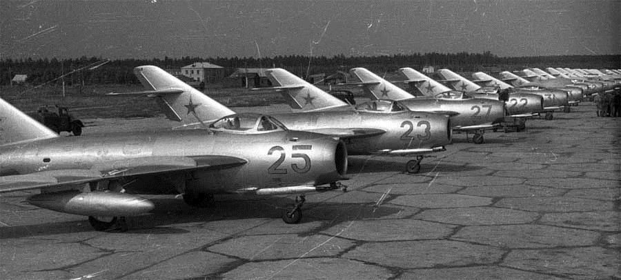 Ряд Миг-17