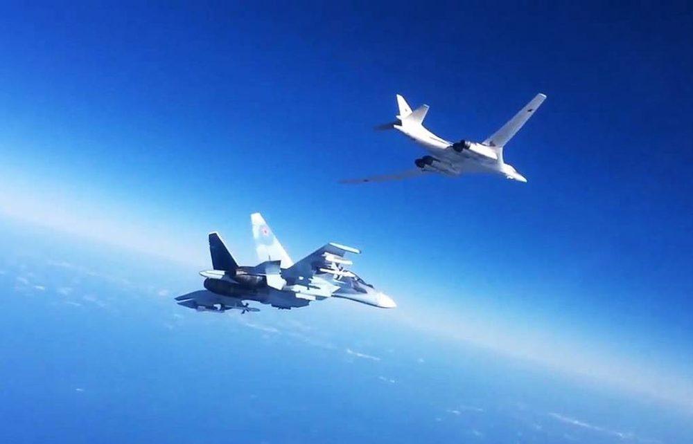 Ту-160 в небе