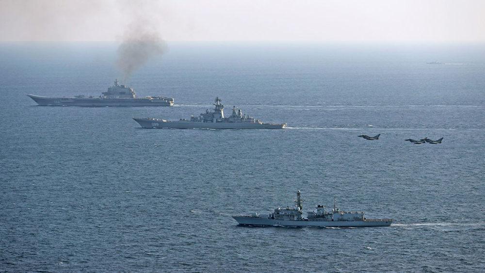 Авианосец «Адмирал Кузнецов» движется к Сирии