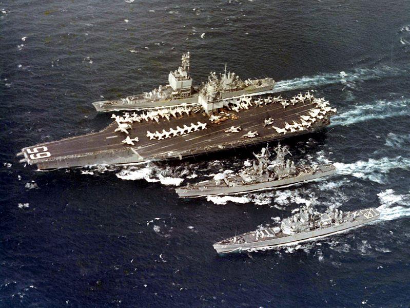 Авианосец США USS Enterprize с крейсерами