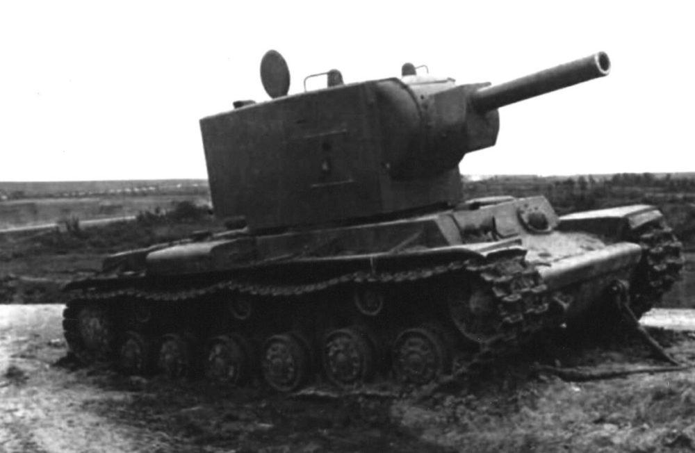 Брошенный КВ-2