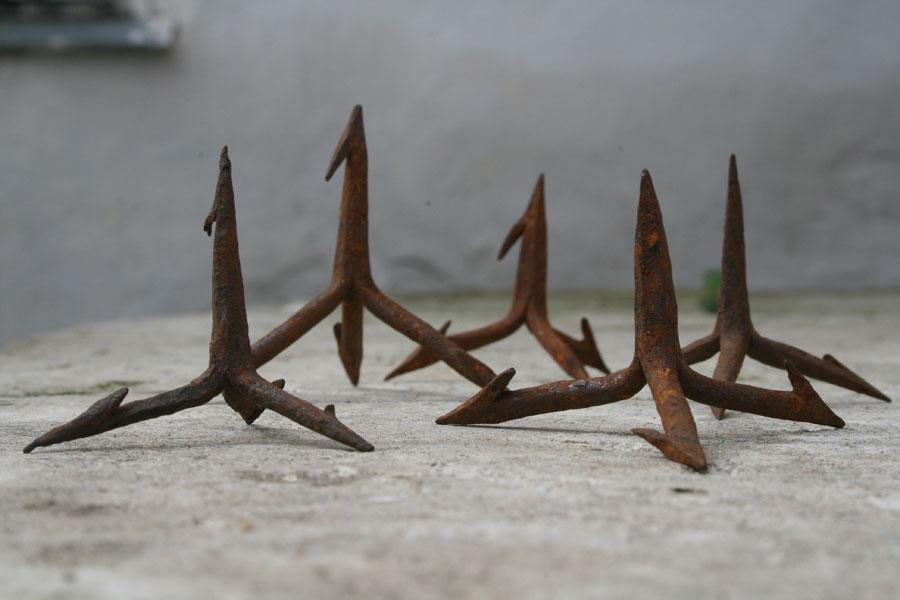 «Чеснок» — железные шипы