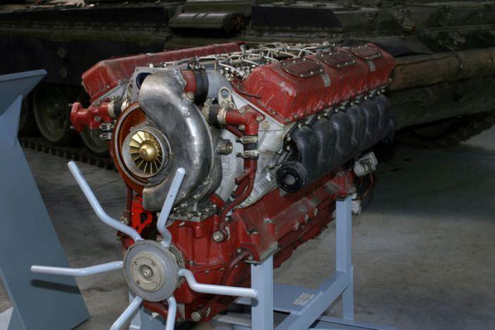 Двигатель В-92С2Ф