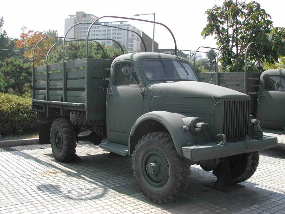 ГАЗ-63 с дугами для тента