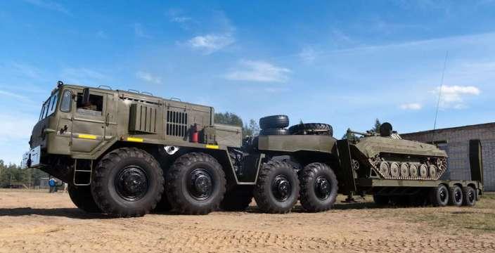 МАЗ-537Г с БМП