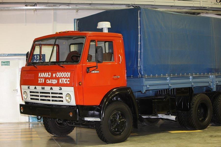 Музейный КамАЗ-5320