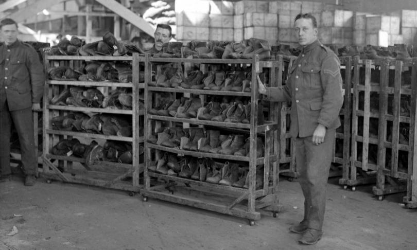 Склад по сортировке и ремонту обуви