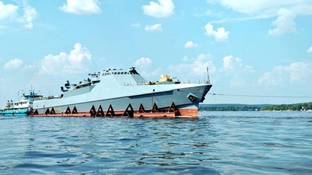 Транспортировка корабля проекта 22160