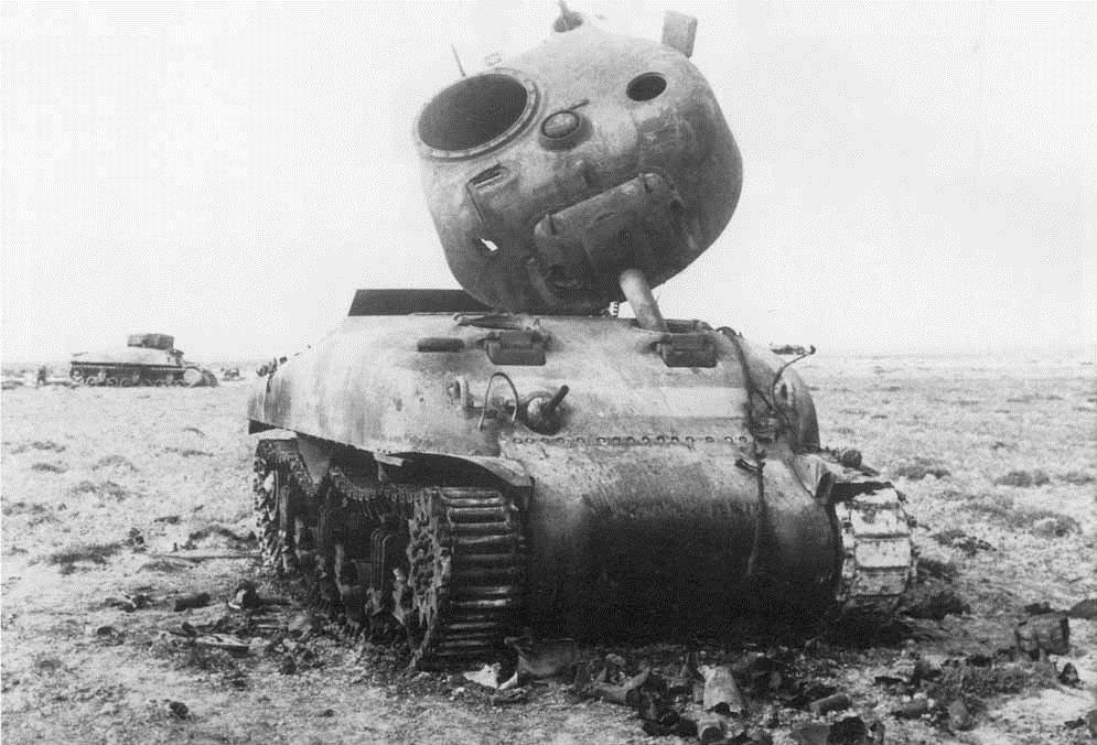 Уничтоженный танк «Шерман»