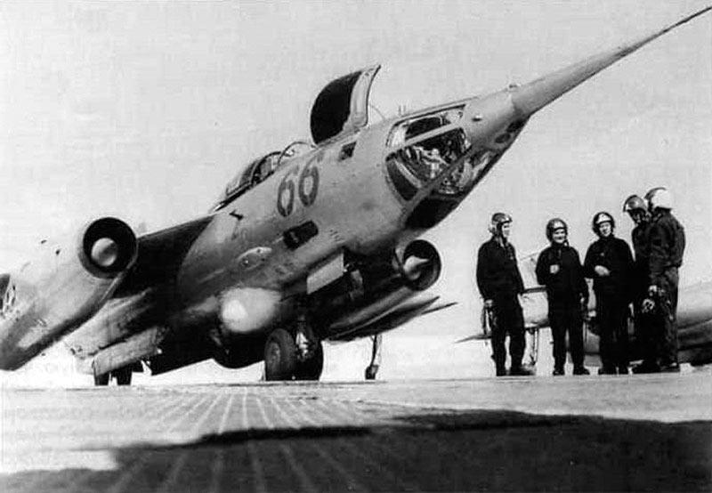 Як-28 с пилотами
