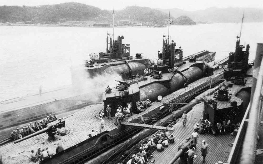 Японские подлодки в американском порту
