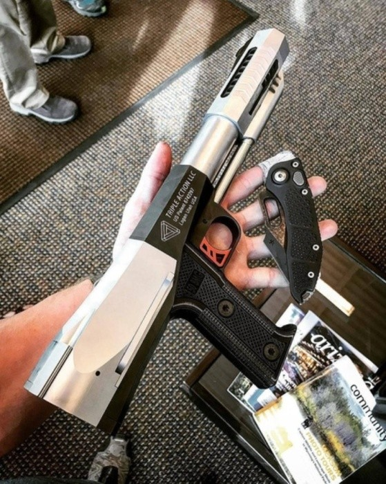 Thunder 50 BMG в руке