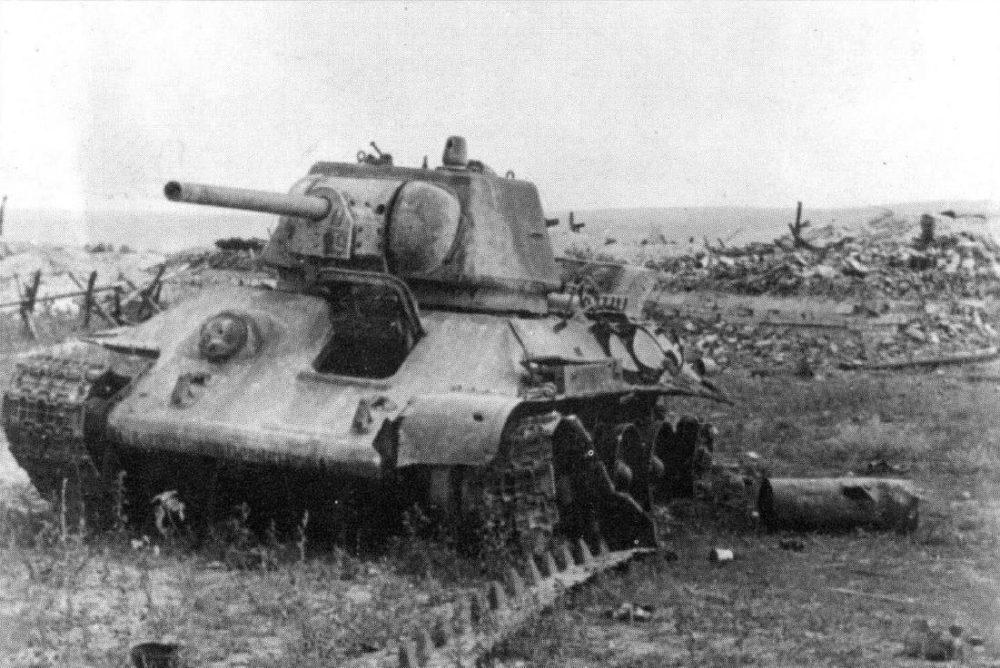 Подбитый Т-34 под Прохоровкой