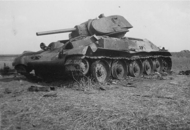 Подбитый Т-34