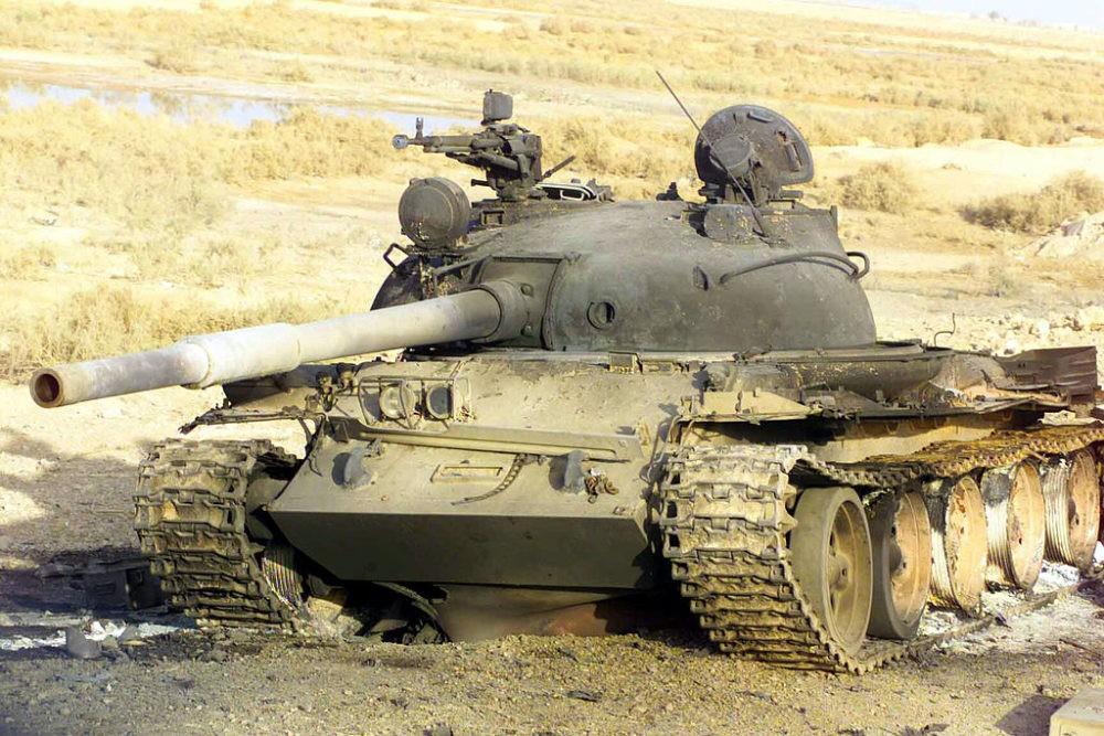 Подбитый Т-62