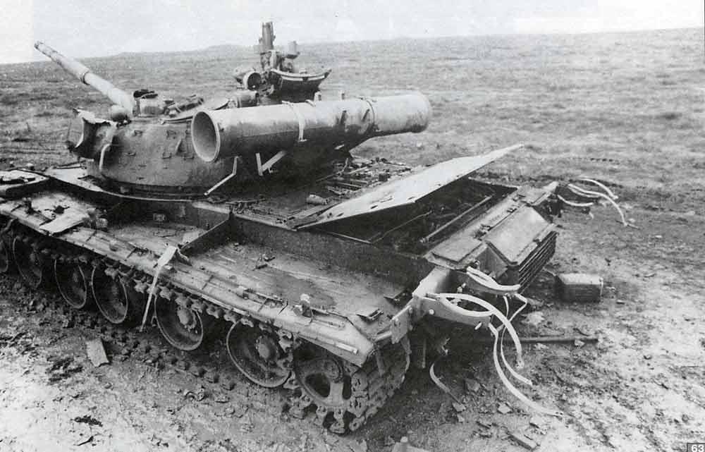 Подбитый Т-80