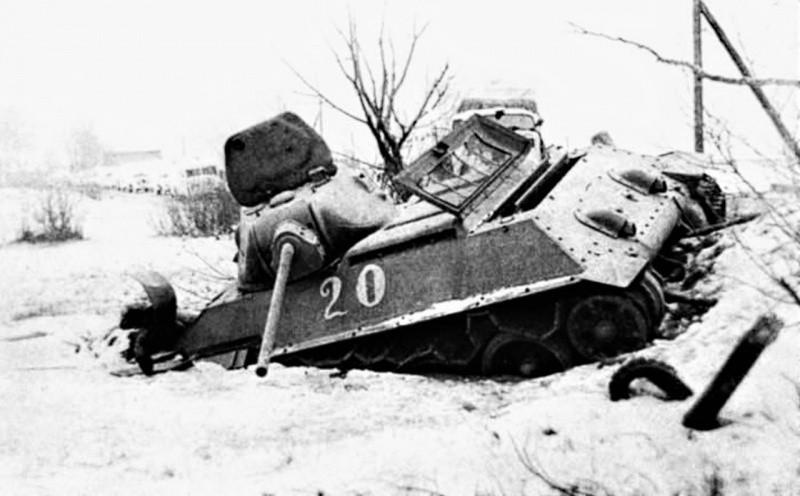 Подбитый танк Т-34-57