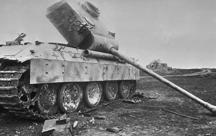 Pz.V «Пантера», подбитый на Курской дуге
