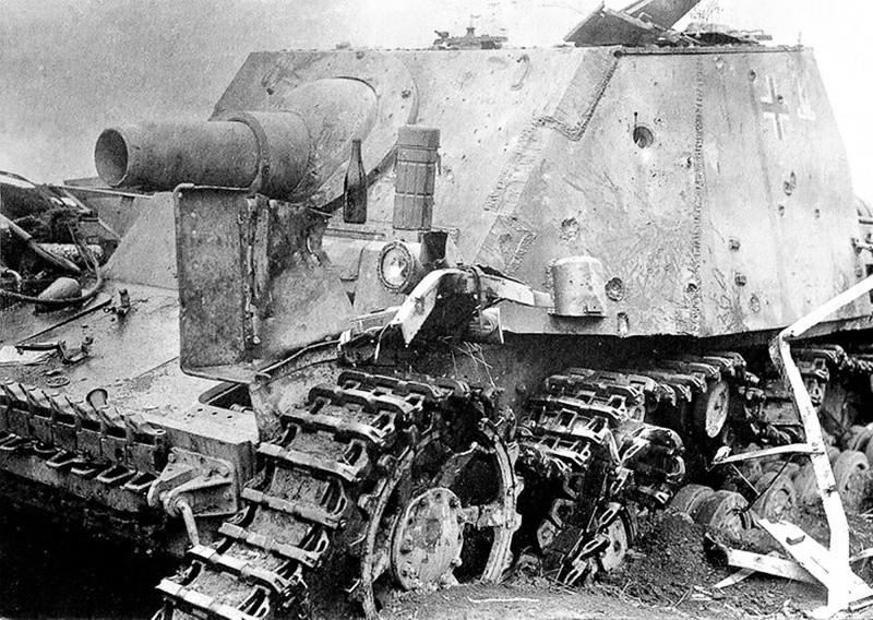 Самоходка Sturmpanzer IV «Brummbar»