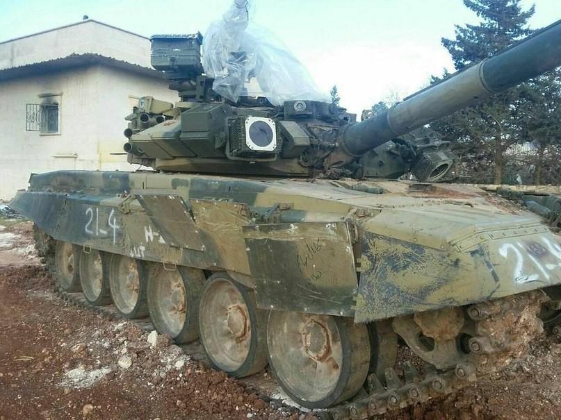 Т-90 после попадания ПТУР