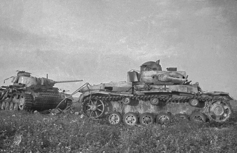 Танки Pz. III, подбитые на Курской дуге