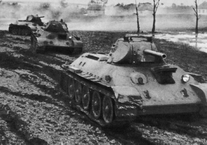Танки Т-34-76 из бригады Катукова