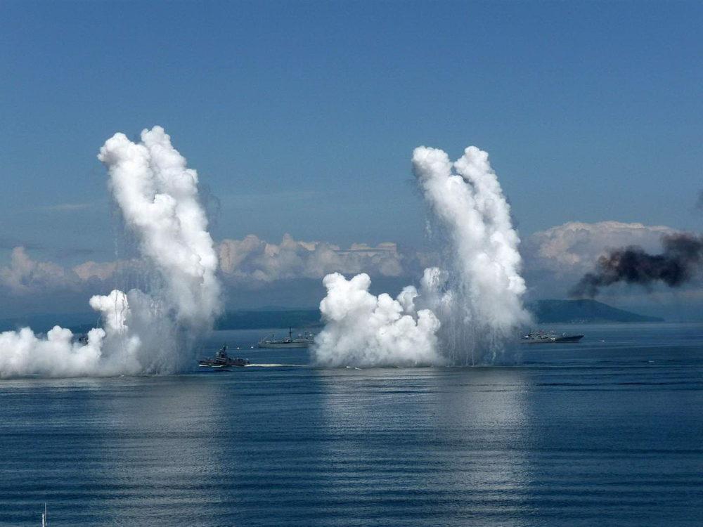 Дымовая завеса на воде