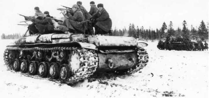 КВ-1 с десантом