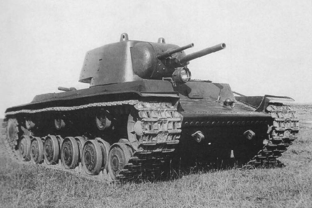 КВ-1 с двумя пушками