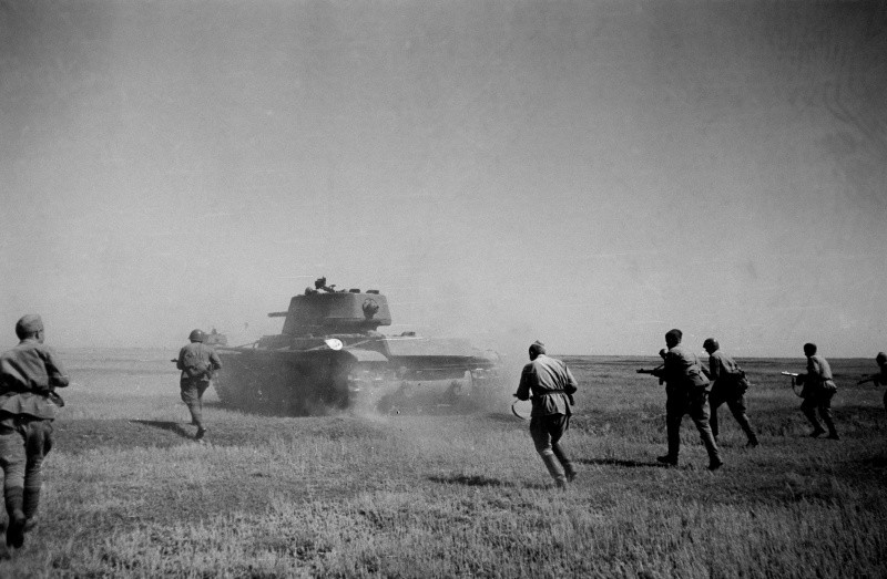 КВ-1 в контратаке