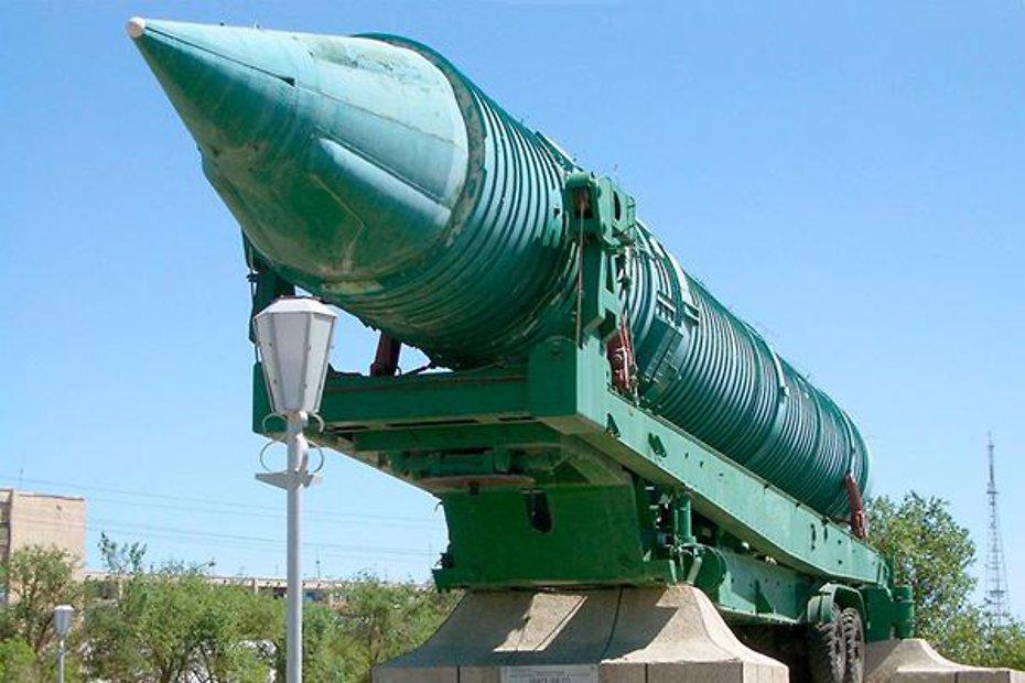 Макет ракеты 15А11