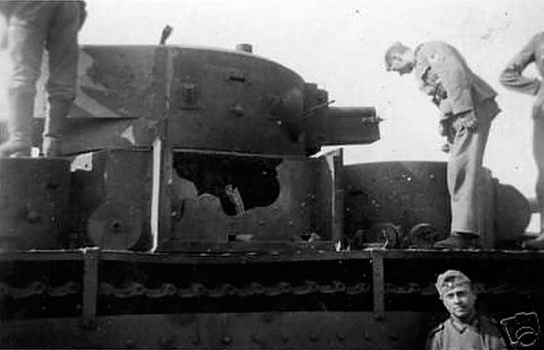 Подбитый Т-35