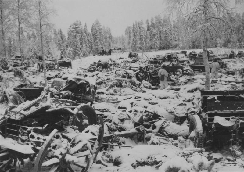 Разгромленный советский обоз