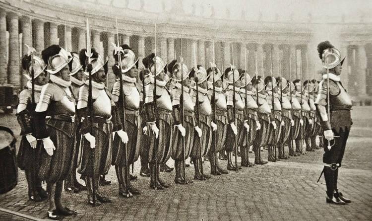 Швейцарская гвардия с глефами
