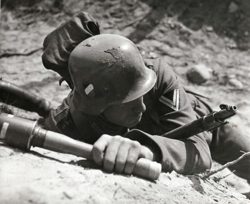 Солдат с M-24