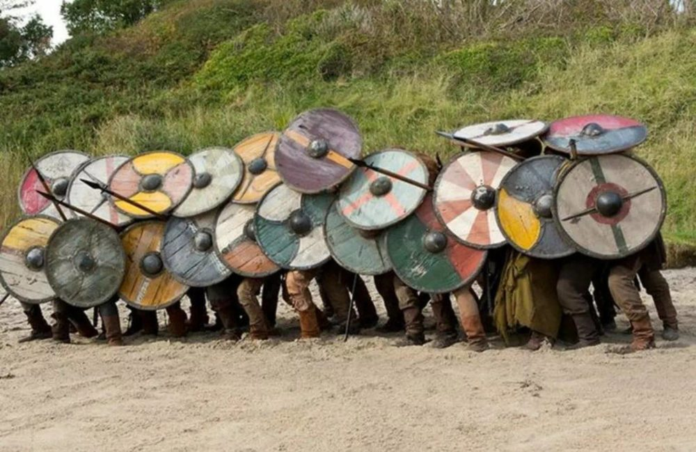 Стена щитов викингов