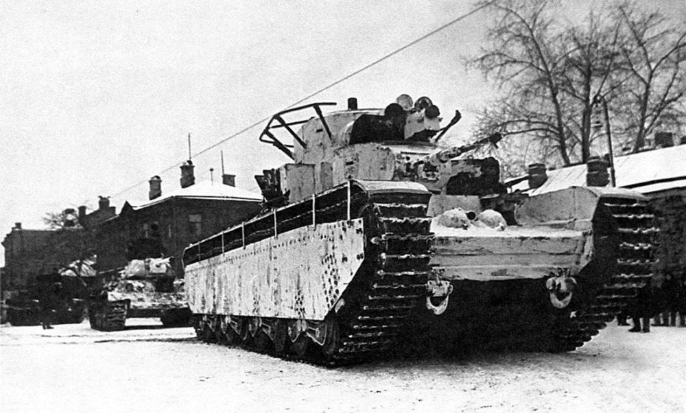 Т-35 в зимнем камуфляже