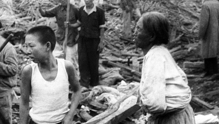 Японцы на руинах