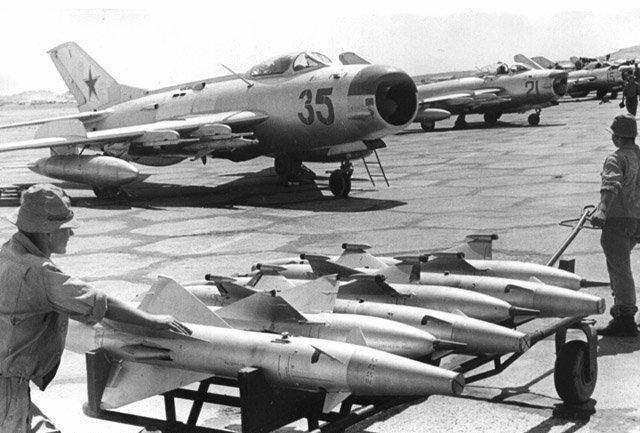 МиГ-19 с ракетами