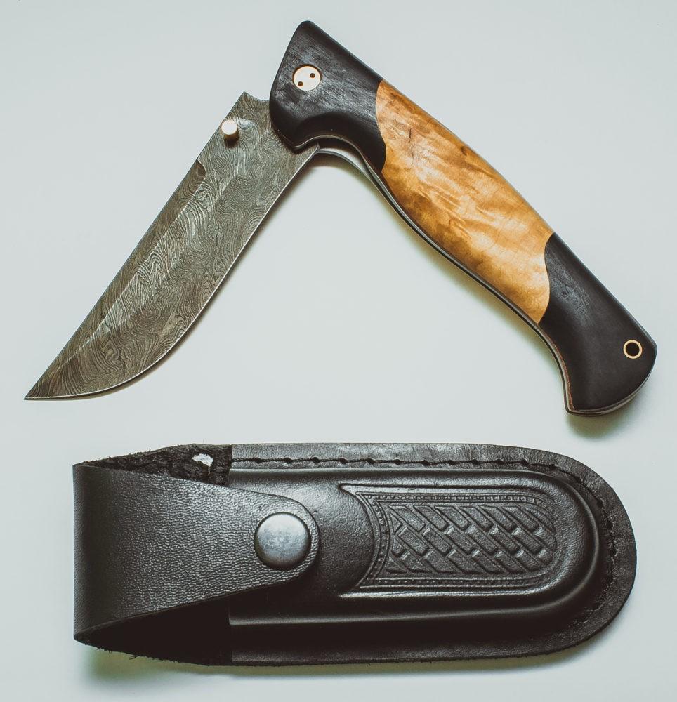 Складной нож с ножнами