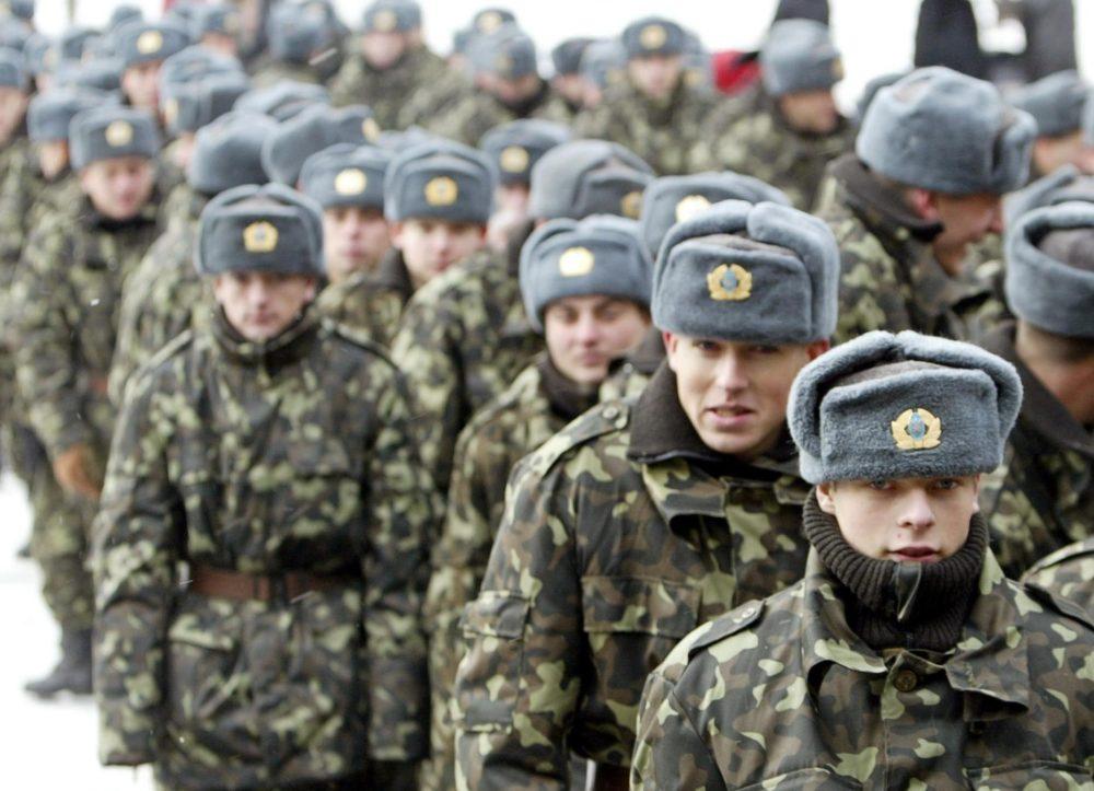 Солдаты в зимней форме