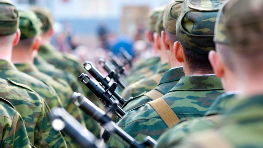 Военнослужащие