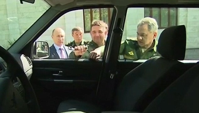 Где Сейчас Работает и Чем Занимается Генерал, Который Сломал Перед Путиным Ручку от Двери Автомобиля на Выставке Военной Техники