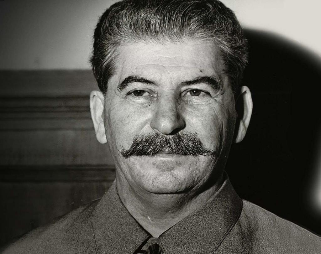 Как Сталин Спас Убийцу-танкиста, Лишившего Жизни Молодого Парня, Который Хотел Яблок Нарвать
