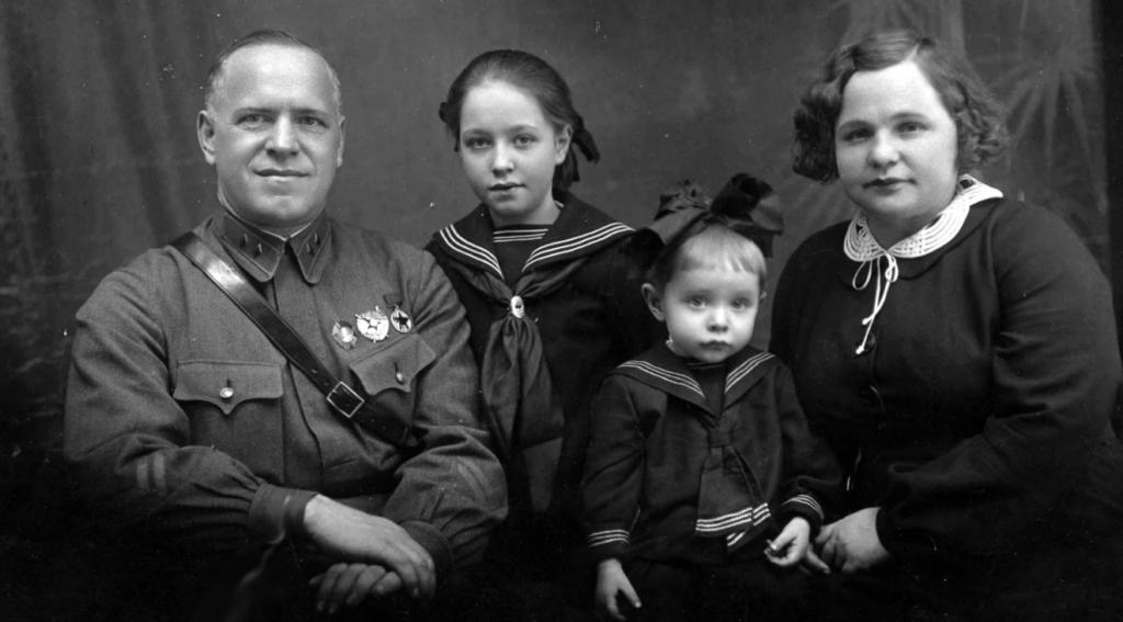 4 Дочери Маршала Жукова от Двух Жен и Любовницы: Как Сложилась их Жизнь